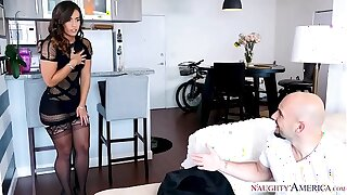 Kelsi Monroe's fat ass juggles from a fat dick fuck - Naughty America