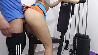 I ravage my personal schoolteacher in the gym and he cums inwards
